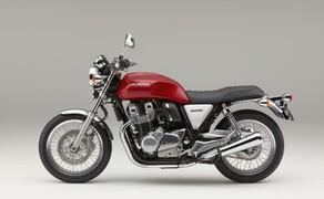 Honda CB1100EX 2017 Bild 2 So wenig moderne Teile wie möglich am coolen Retrobike Honda CB1100 EX.