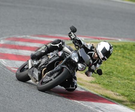 Triumph Street Triple 800 S, R und RS Test 2017