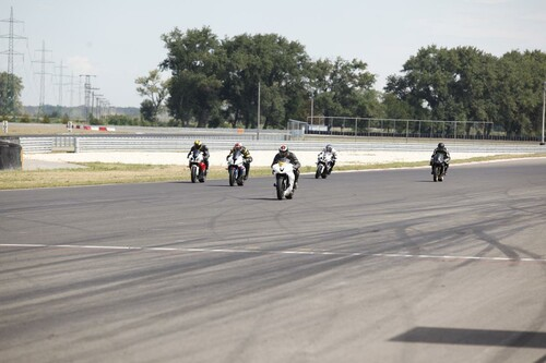 Motorrad Bild: Speedparty Slovakiaring Gruppe 2 Tag 1 Fahraufnahmen