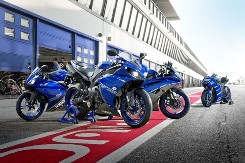 Motorrad Bild: Yamaha Race Blu 2013