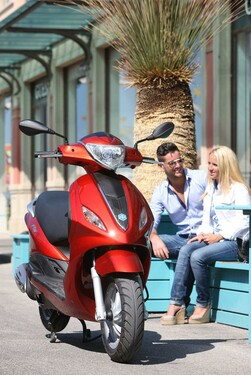 Motorrad Bild: Piaggio Fly 50 2013
