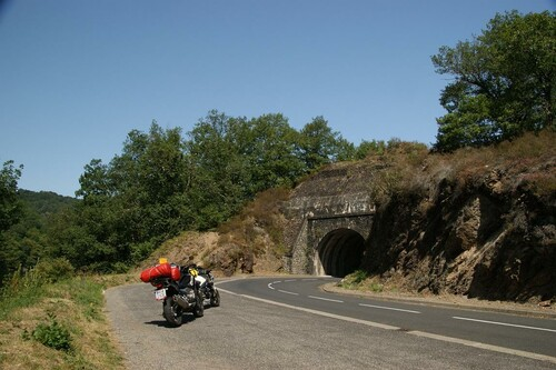 Motorrad Bild: Reise durch Frankreichs Auvergne und Dordogne