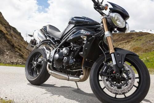 http://www.motorrad-bilder.at/slideshows/291/009689/triumph-speed-triple-ischgl-2013-18.jpg