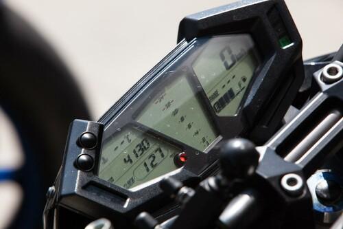 http://www.motorrad-bilder.at/slideshows/291/010004/kawasaki_z800_rennstrecke_2013-19.jpg