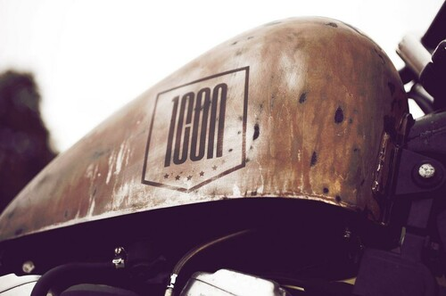 http://www.motorrad-bilder.at/slideshows/291/010295/the-roach-5.JPG