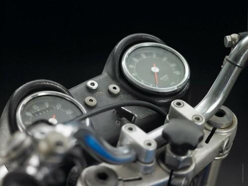 http://www.motorrad-bilder.at/slideshows/291/009820/harley_davidson_breakout_2013_22.jpg