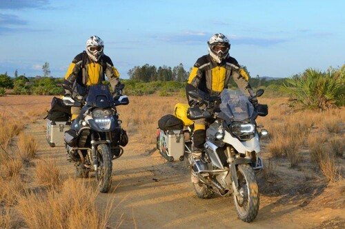 http://www.motorrad-bilder.at/slideshows/291/010469/afrika-2.jpg