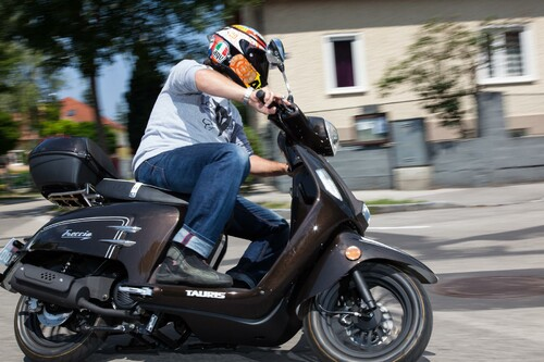 http://www.motorrad-bilder.at/thumbs/500x375/slideshows/291/011286/tauris_freccia-2.jpg?new
