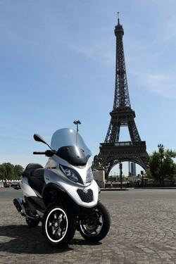 http://www.motorrad-bilder.at/thumbs/500x375/slideshows/291/011335/piaggio_mp3_500_lt_33.jpg?new
