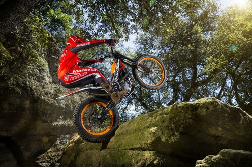 http://www.motorrad-bilder.at/thumbs/500x375/slideshows/291/011340/montesa_cota_4rt_12.jpg?new