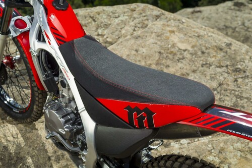 http://www.motorrad-bilder.at/thumbs/500x375/slideshows/291/011340/montesa_cota_4rt_5.jpg?new