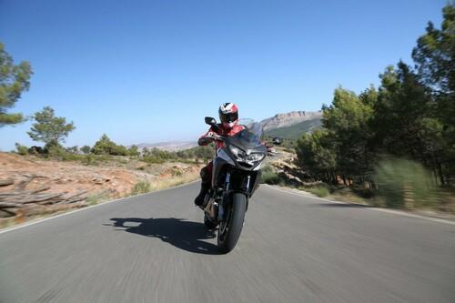 Honda Crossrunner 2015 Test Foto