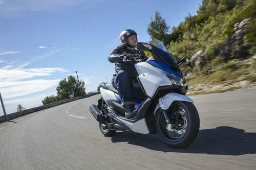 Honda Forza 125 Test 2015 Foto