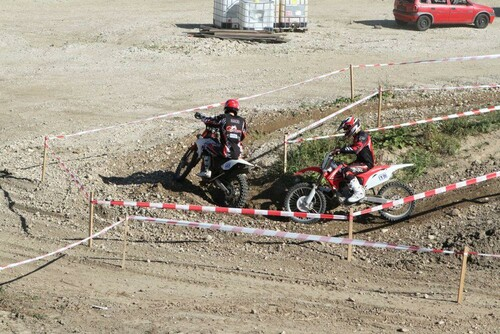 Motorrad Bild: Boomerang EnduroCross Teil 2