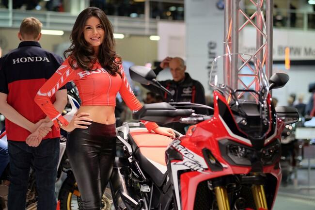 Motorrad Bild: SWISS-MOTO 2016 | Impressionen, Girls, Umbauten