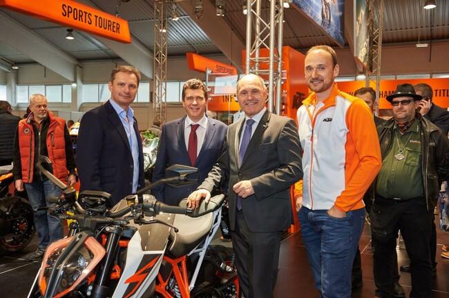"""Motorrad Bild: KTM gewinnt """"MOTORRAD DES JAHRES WAHL"""" und etabliert sich als Marktführer"""