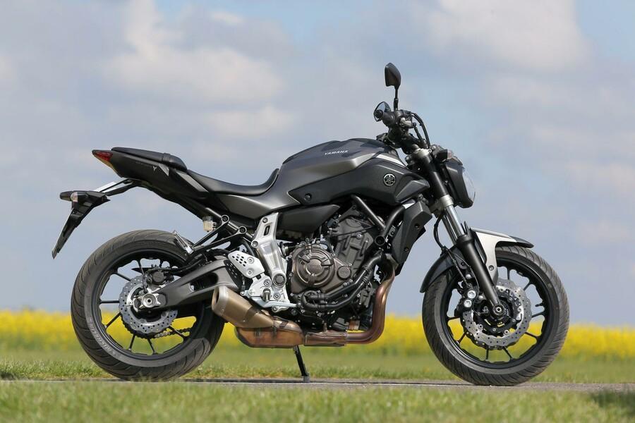 Yamaha Naked Bike