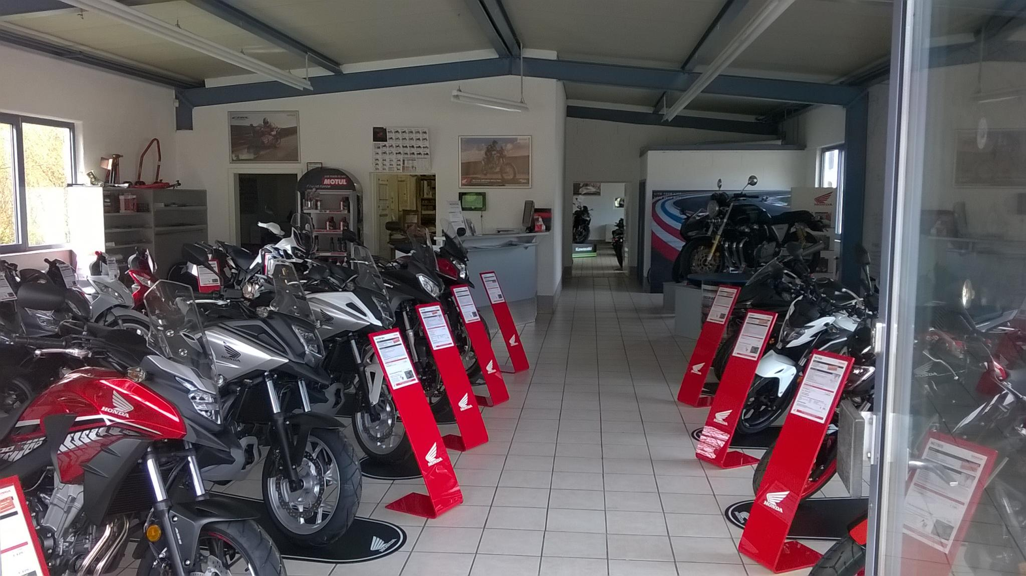 Unternehmensbilder Brand und Dowalil Motorradhandel 5