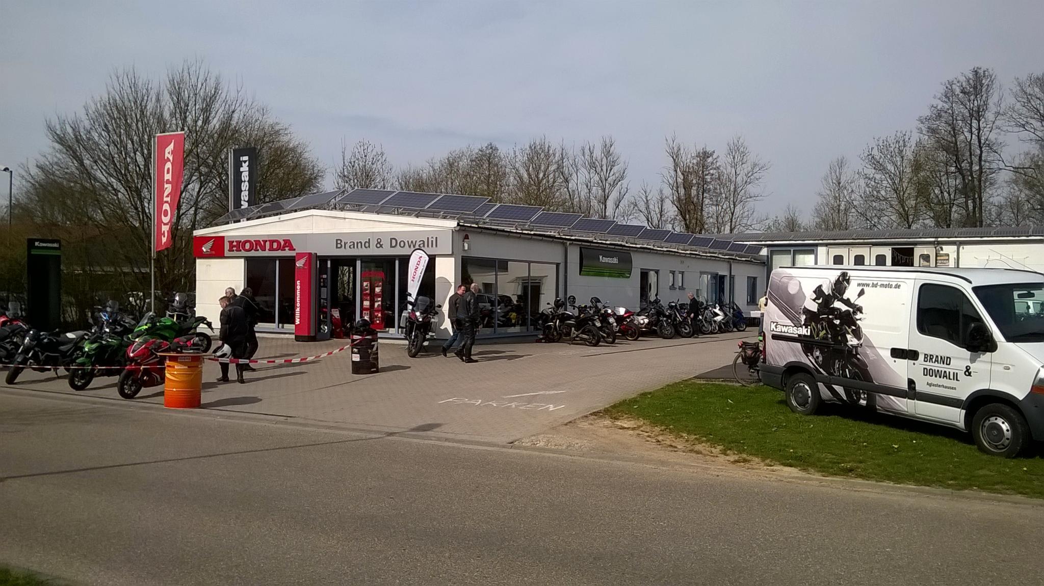 Unternehmensbilder Brand und Dowalil Motorradhandel 3