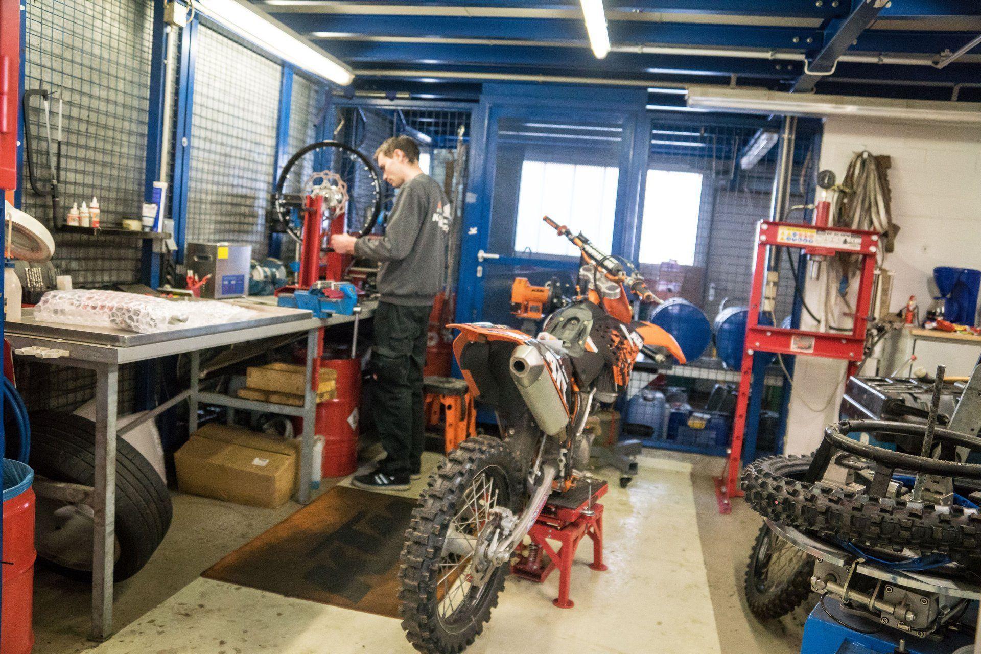 Unternehmensbilder KM Kaczmarek Motorsport 13