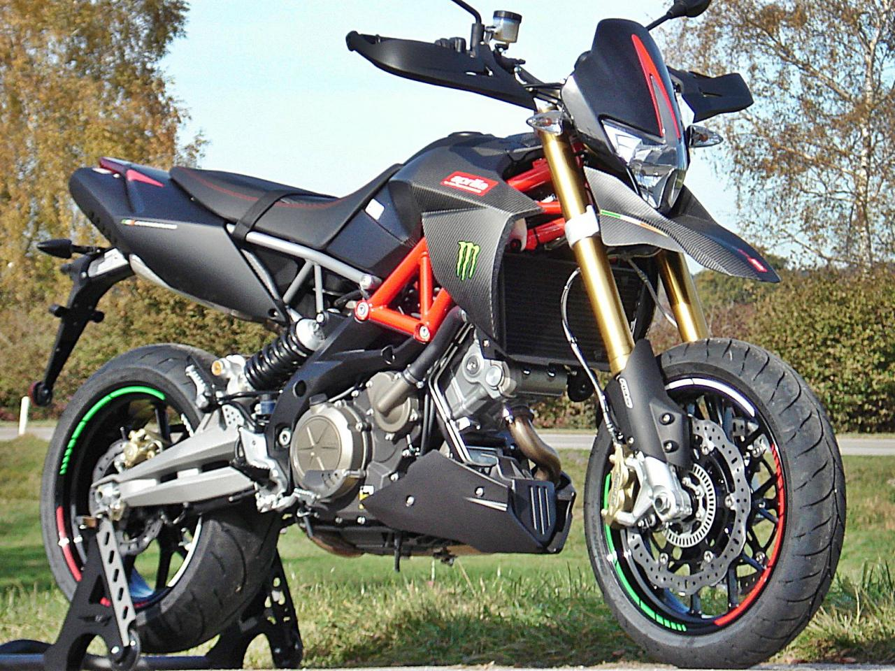 Aprilia Italy  City pictures : Aprilia Dorsoduro RSI Italy Monster Design Motorrad Fotos & Motorrad ...