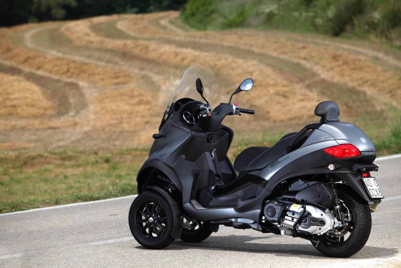 piaggio mp3 touring lt 500 ie business sport touring motorrad fotos motorrad bilder. Black Bedroom Furniture Sets. Home Design Ideas