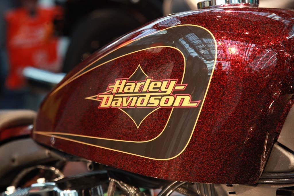 http://www.motorrad-bilder.at/slideshows/291/007424/IMG_7091.jpg