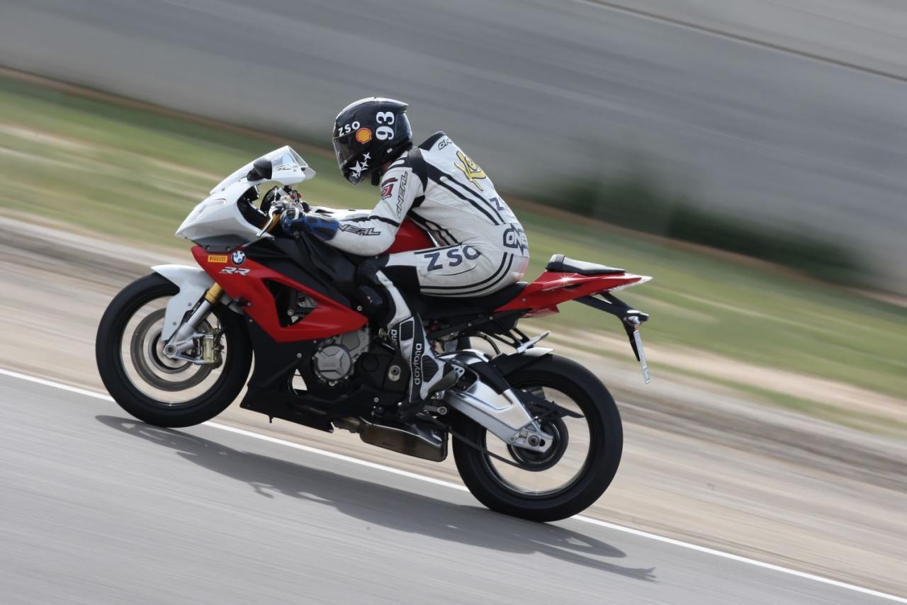 superbike vergleichstest bmw s1000rr motorrad fotos motorrad bilder. Black Bedroom Furniture Sets. Home Design Ideas