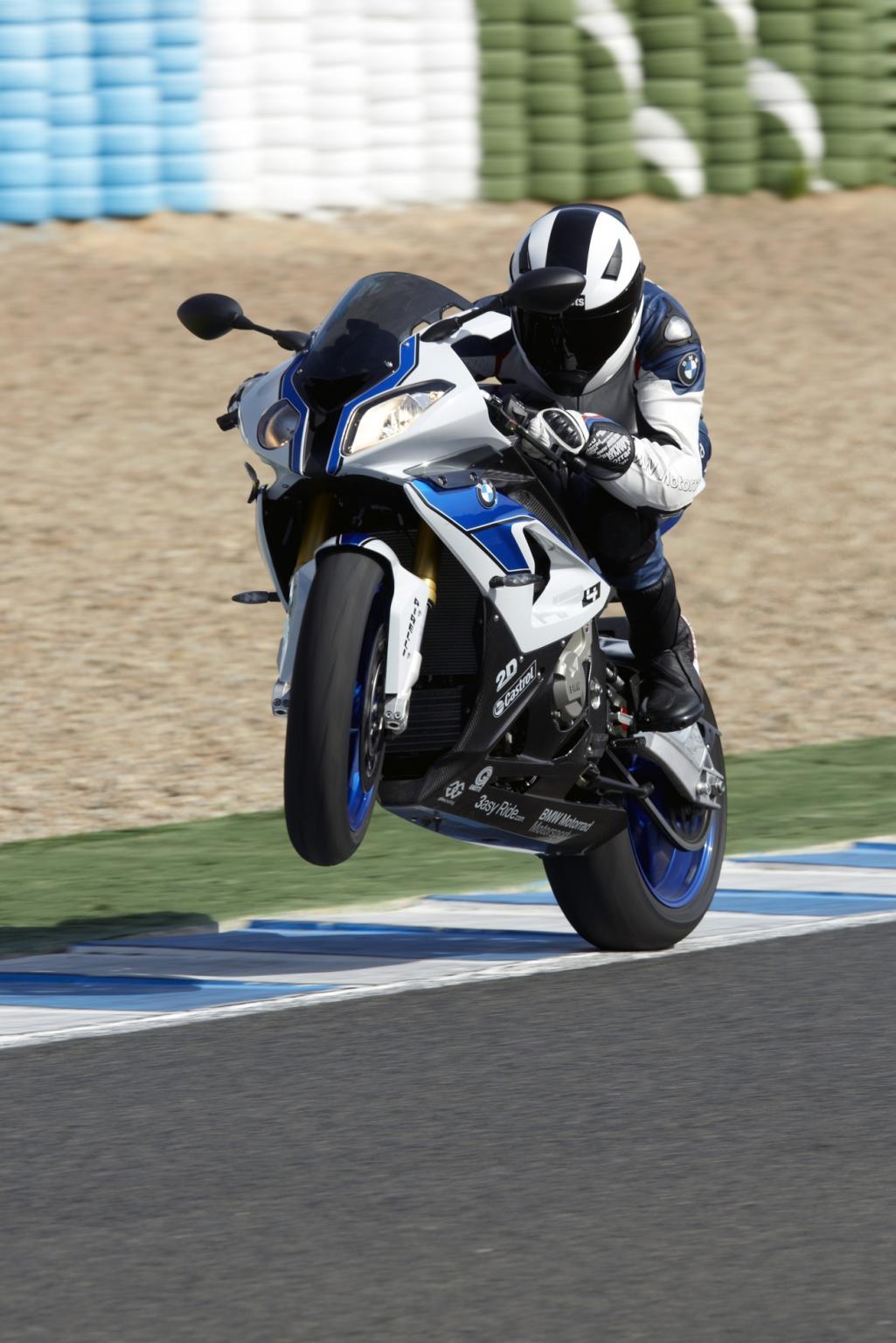 http://www.motorrad-bilder.at/slideshows/291/008309/19.jpg