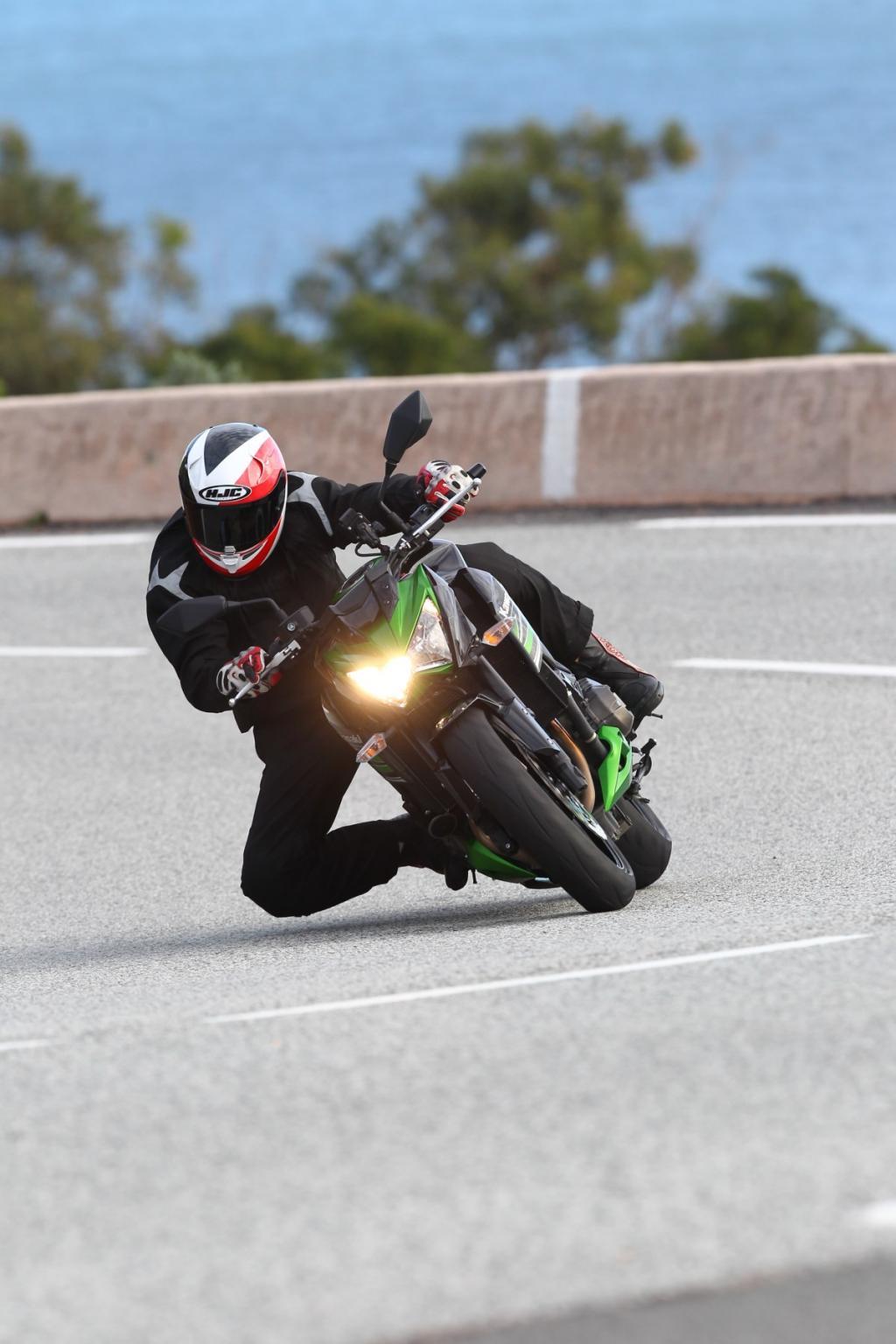 http://www.motorrad-bilder.at/slideshows/291/008853/65.jpg