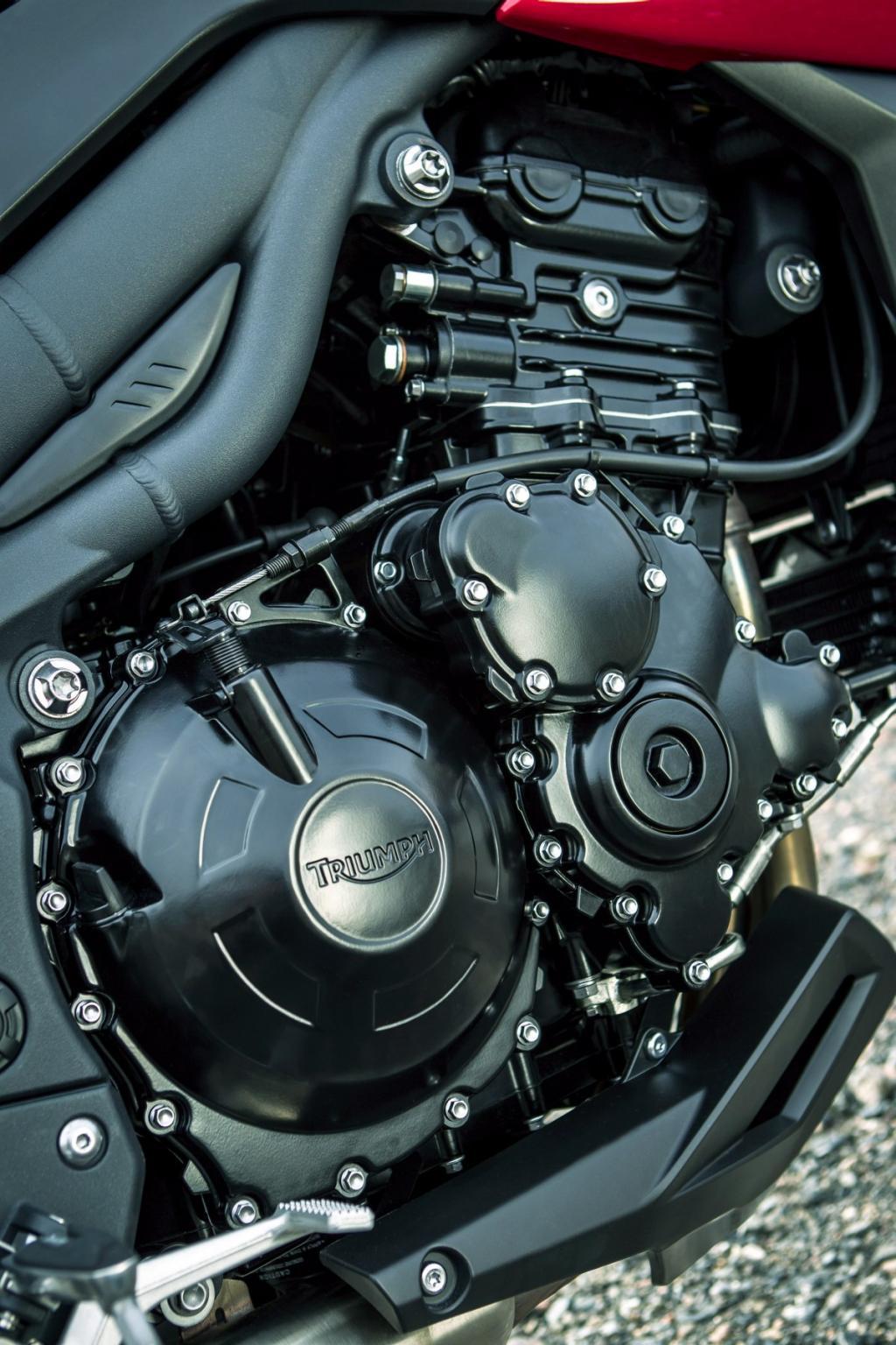 http://www.motorrad-bilder.at/slideshows/291/008935/12.jpg