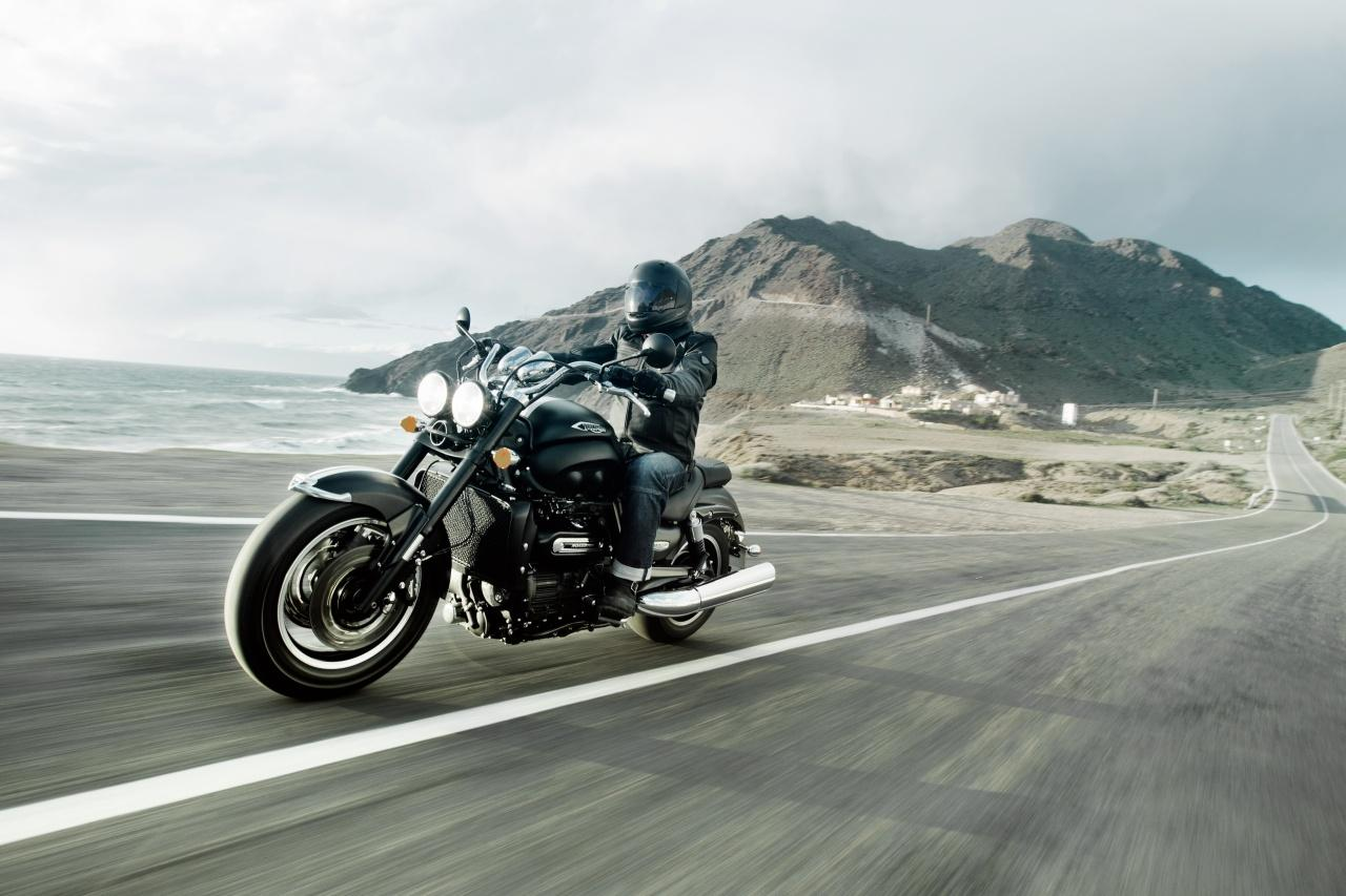 triumph rocket roadster 2013