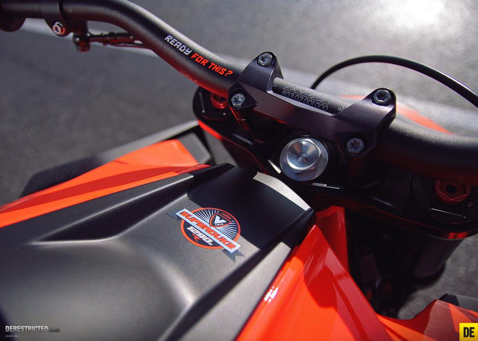 http://www.motorrad-bilder.at/slideshows/291/008993/ktm_superduke_1290_02.jpg