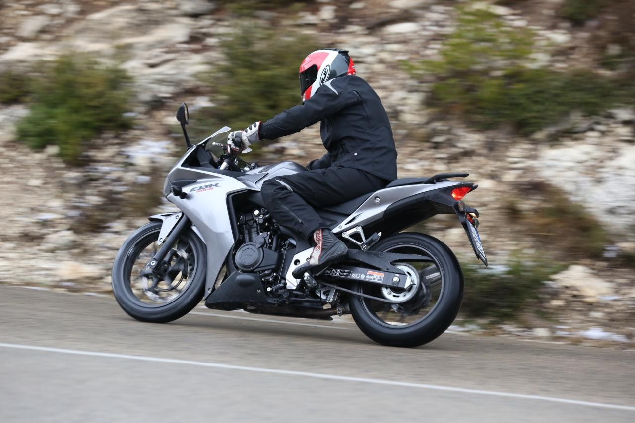 http://www.motorrad-bilder.at/slideshows/291/009102/honda-cbr500r-test-barcelona-14.jpg