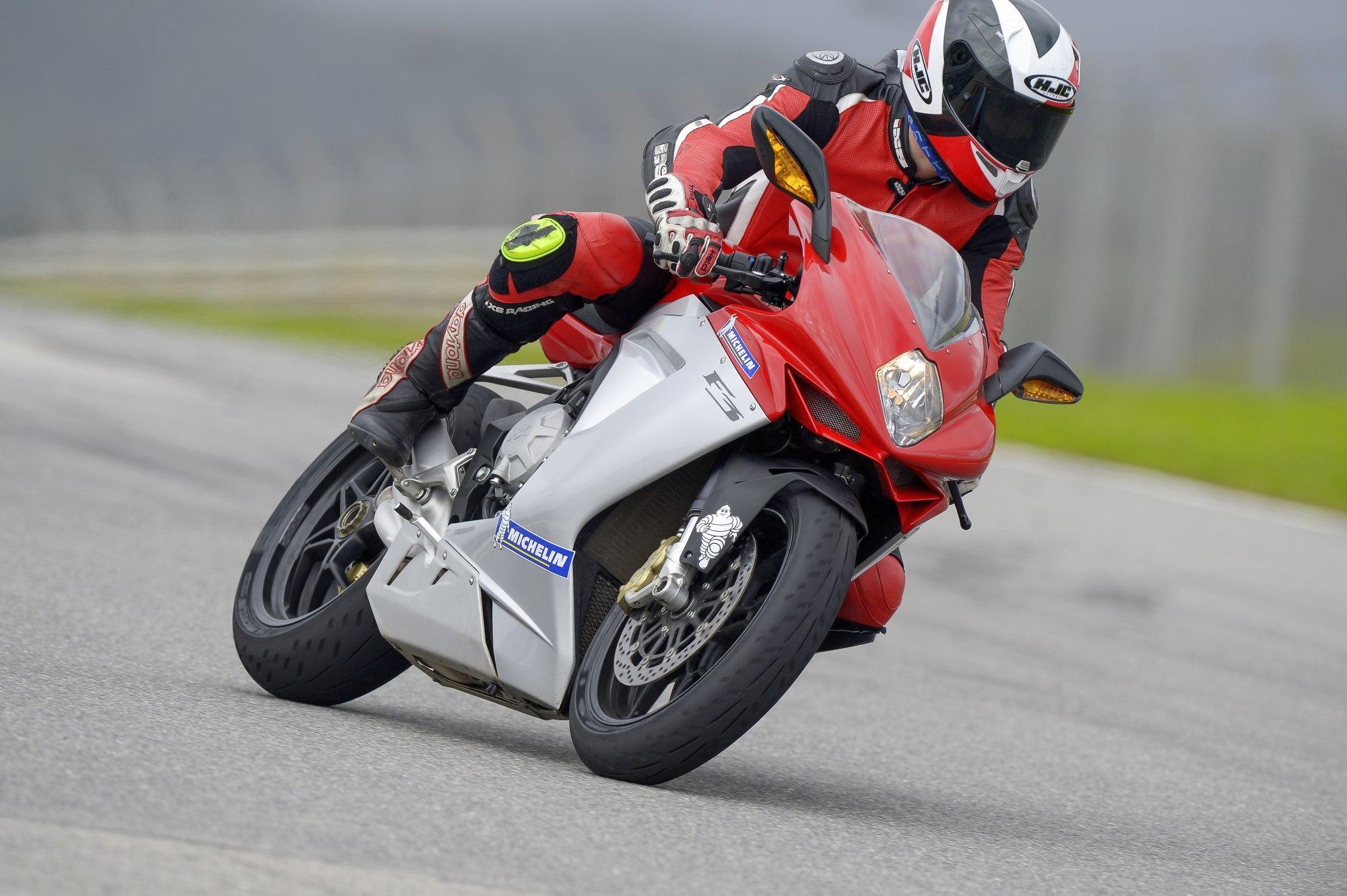 http://www.motorrad-bilder.at/slideshows/291/009240/12.jpg