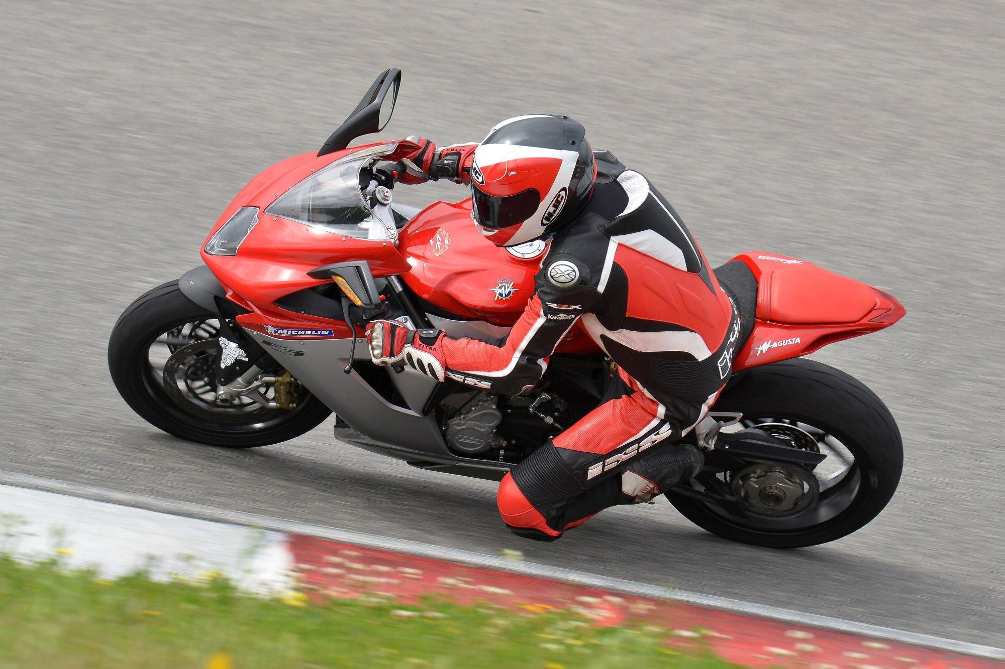 http://www.motorrad-bilder.at/slideshows/291/009240/23.jpg