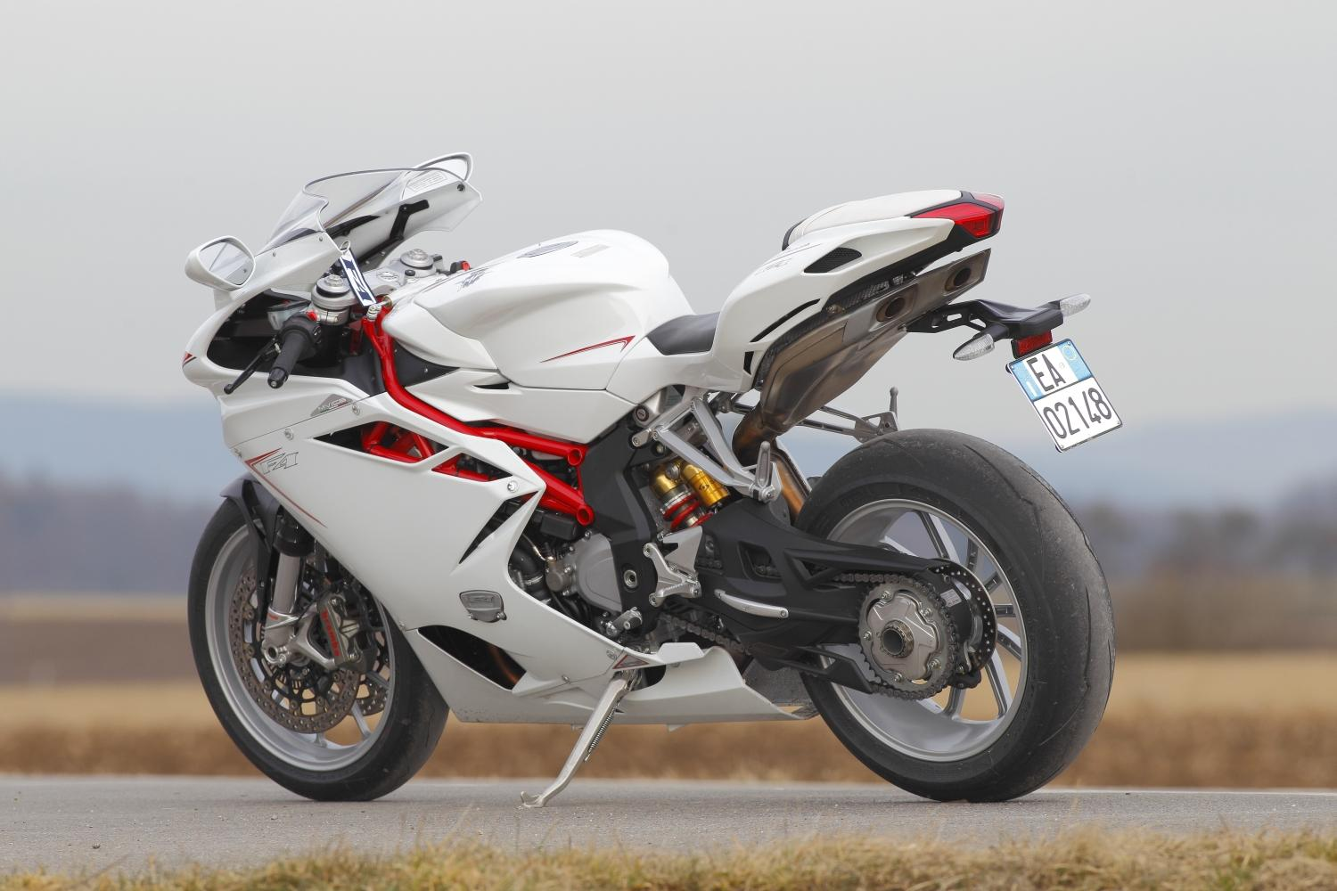 http://www.motorrad-bilder.at/slideshows/291/009266/mv-agusta-f4-005.jpg