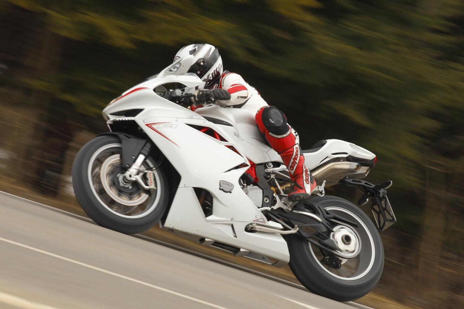 http://www.motorrad-bilder.at/slideshows/291/009267/mv-agusta-f4-002.jpg
