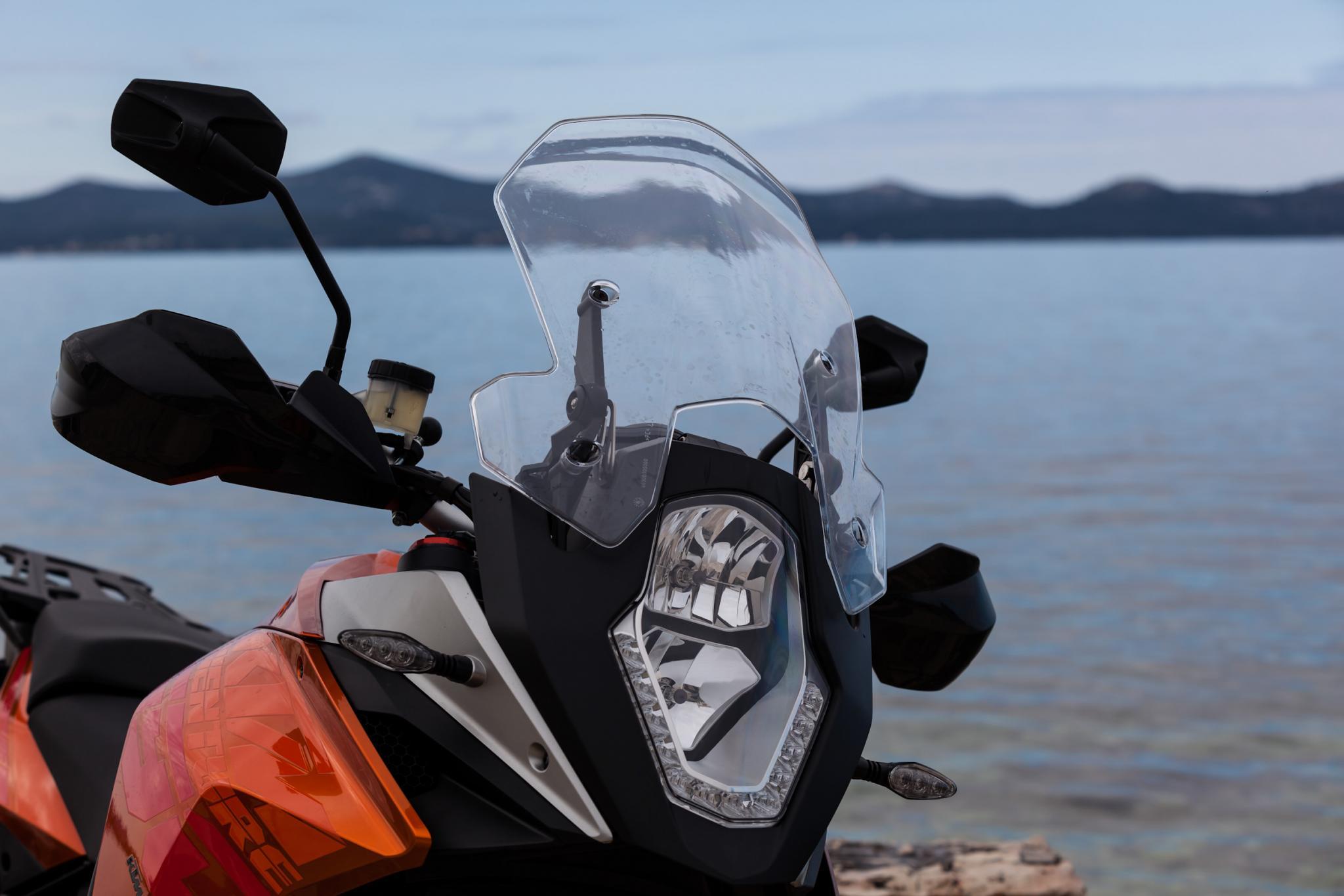 http://www.motorrad-bilder.at/slideshows/291/009277/IMG_1033.jpg