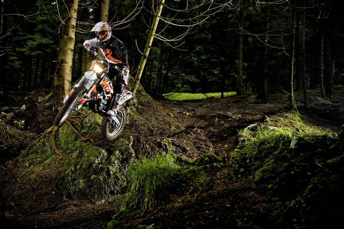http://www.motorrad-bilder.at/slideshows/291/009472/ktm_freeride_1.jpg