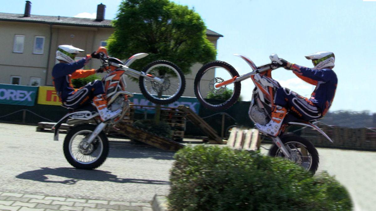 http://www.motorrad-bilder.at/slideshows/291/009472/ktm_freeride_2.jpg