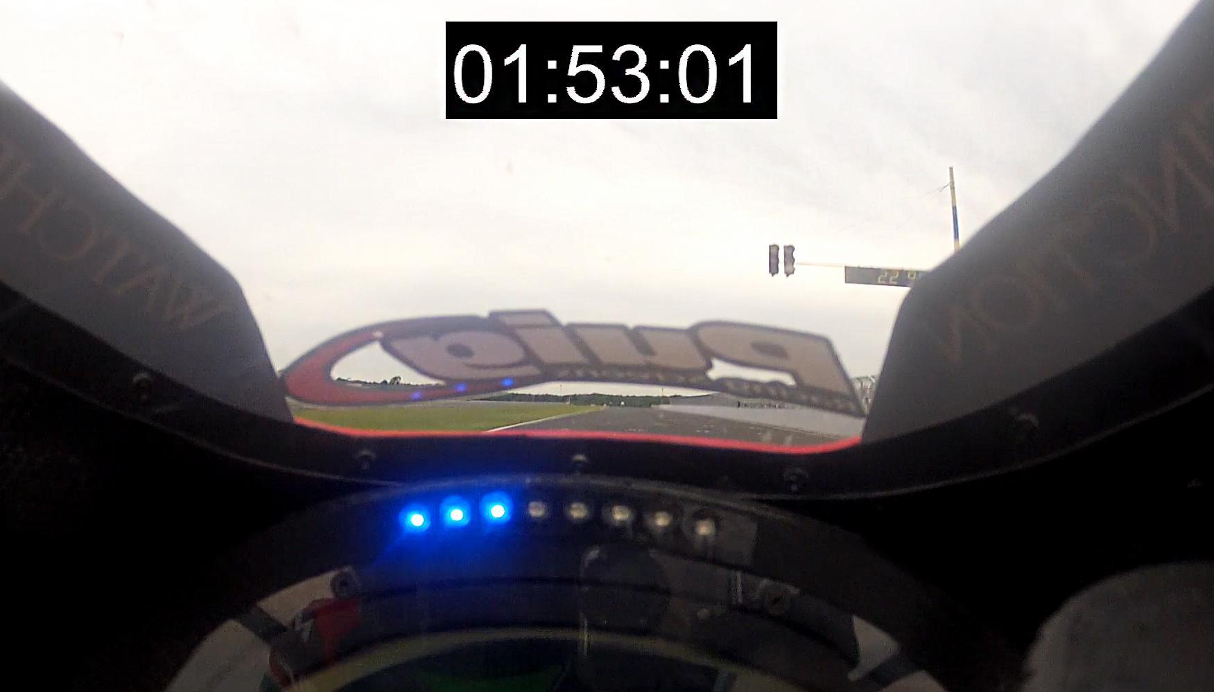 http://www.motorrad-bilder.at/slideshows/291/009472/suzuki.jpg