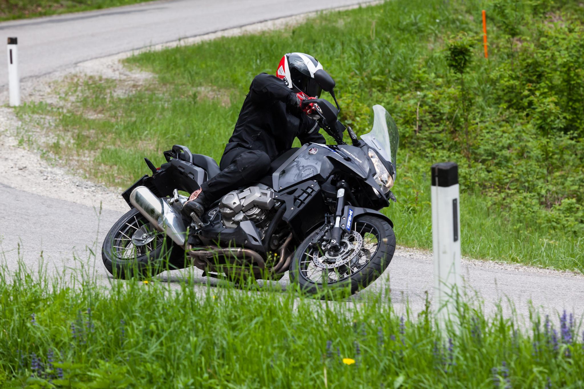 http://www.motorrad-bilder.at/slideshows/291/009569/_MG_6529.jpg