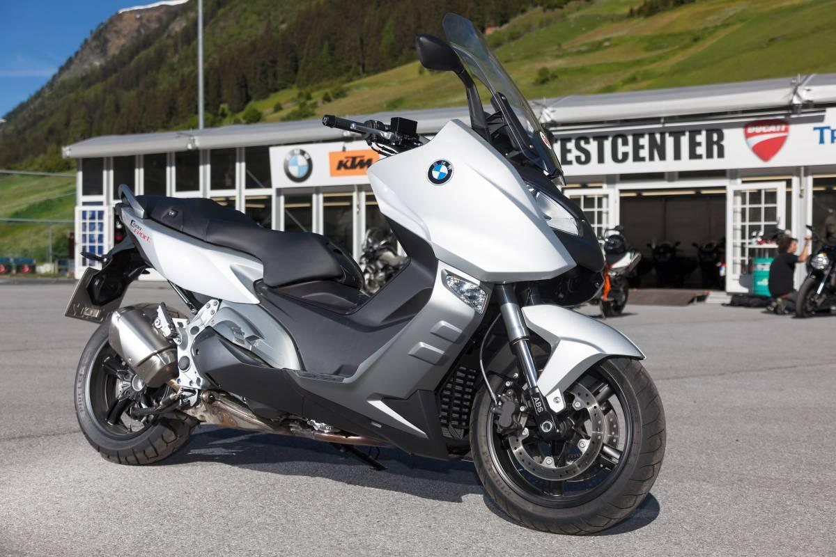 http://www.motorrad-bilder.at/slideshows/291/009686/bmw-c600sport-ischgl-2013-3.jpg