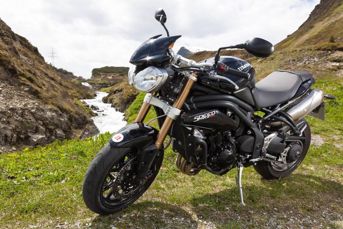 http://www.motorrad-bilder.at/slideshows/291/009689/triumph-speed-triple-ischgl-2013-27.jpg