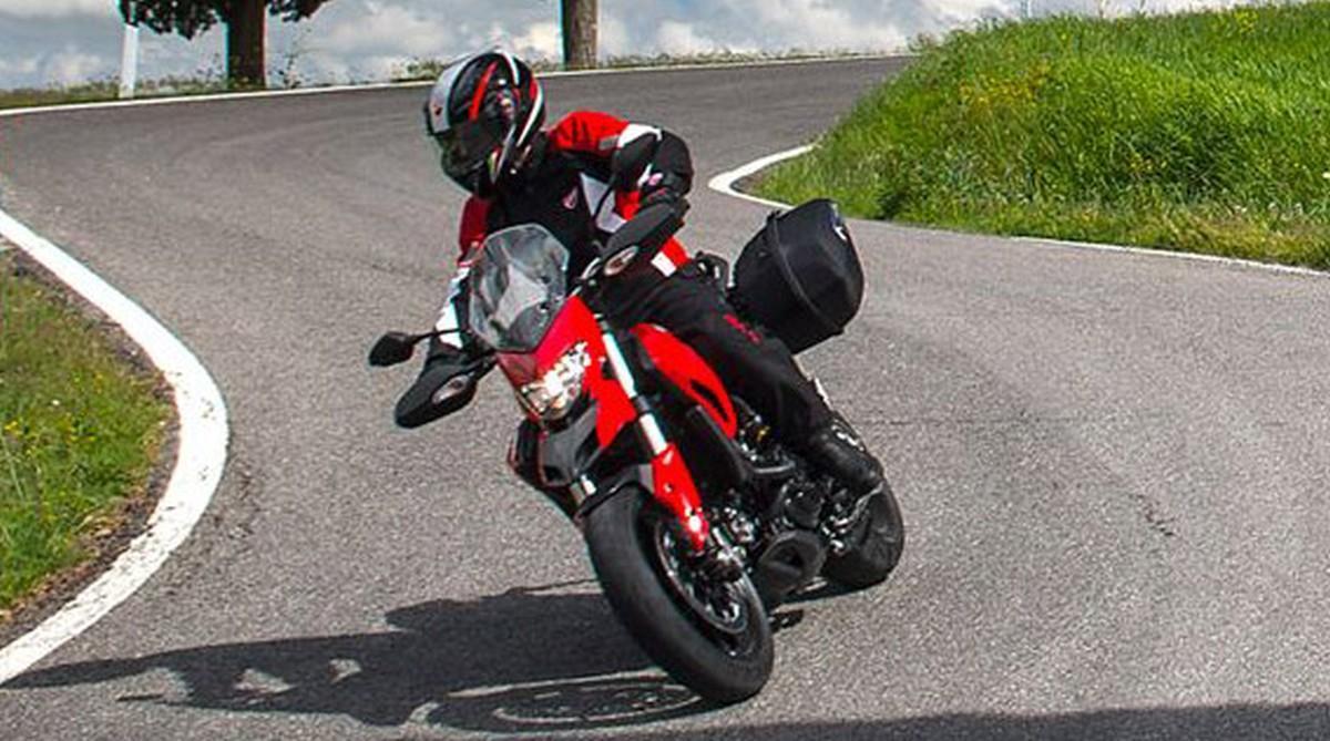 http://www.motorrad-bilder.at/slideshows/291/009706/ducati-hyperstrada11.jpg