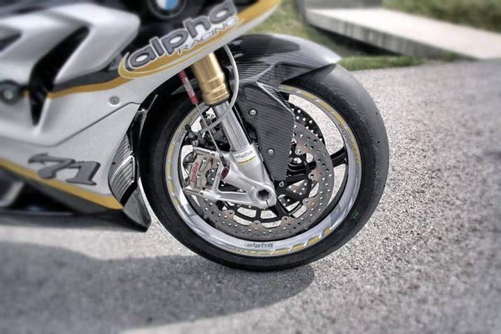 http://www.motorrad-bilder.at/slideshows/291/009795/alpha-racing-bmw-s1000rr-beast-09.jpg