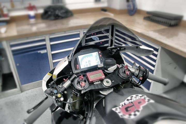 http://www.motorrad-bilder.at/slideshows/291/009795/alpha-racing-bmw-s1000rr-beast-12.jpg