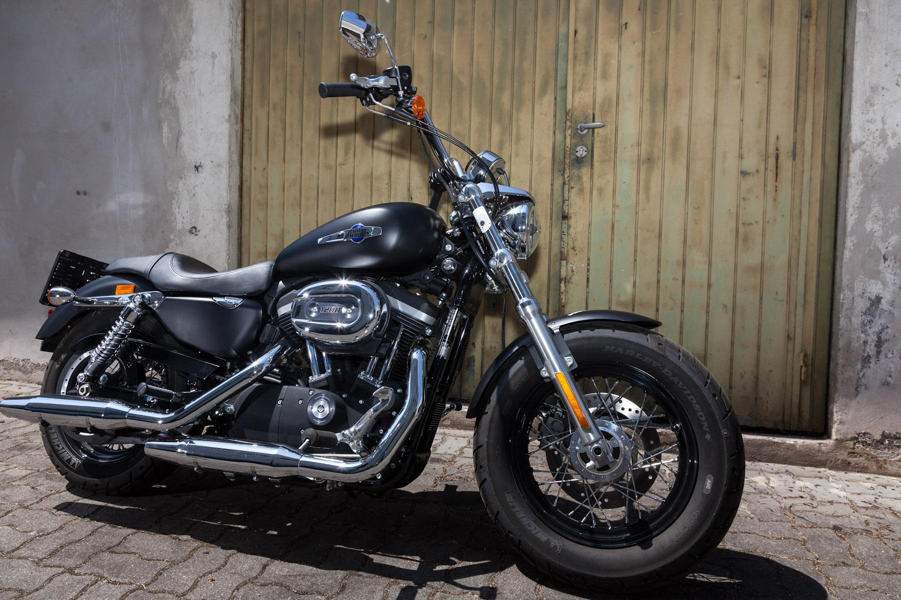 Harley-davidson sportster iron 833 gallery