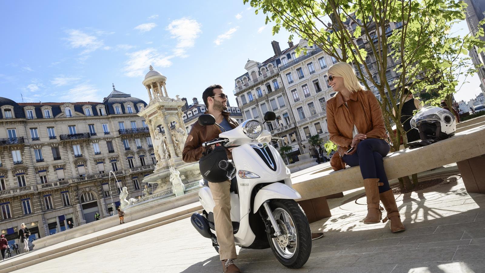 http://www.motorrad-bilder.at/slideshows/291/009842/yamaha-delight-16.jpg